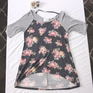 Tops - Grey and floral print blouse